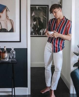 57e5822bdb ... Look alla moda per uomo: Camicia a maniche corte a righe verticali  bianca e rossa