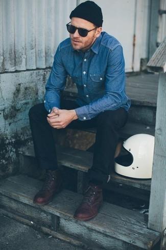 Come indossare e abbinare una berretto blu scuro: Mostra il tuo stile in una camicia a maniche lunghe in chambray blu con una berretto blu scuro per una sensazione di semplicità e spensieratezza. Sfodera il gusto per le calzature di lusso e scegli un paio di stivali casual in pelle bordeaux.