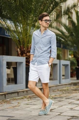 Come indossare e abbinare un orologio nero e bianco: Coniuga una camicia a maniche lunghe azzurra con un orologio nero e bianco per un'atmosfera casual-cool. Aggiungi un paio di scarpe da barca in pelle scamosciata azzurre al tuo look per migliorare all'istante il tuo stile.