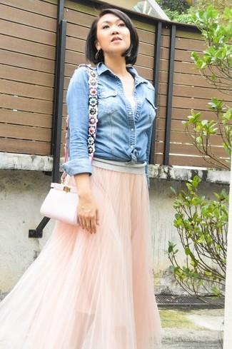 enorme sconto 631dc ba8f3 Look alla moda per donna: Camicia di jeans azzurra, Gonna ...