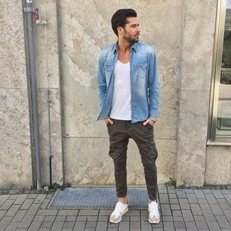 Camicia Jeans Quale Con Blu10 Una Indossare Pantaloni Cargo Di YWIDHE2e9b