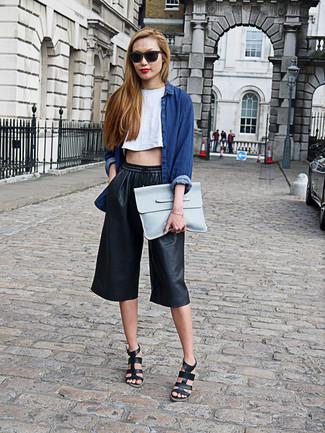 77388cf36e09 ... Look alla moda per donna: Camicia di jeans blu scuro, Top corto bianco,