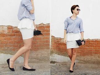 Look alla moda per donna: camicia elegante azzurra gonna peplo