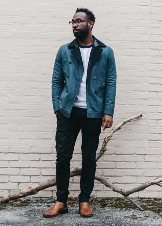 Trend da uomo 2020 in primavera 2021: Combina una camicia giacca blu con chino neri se cerchi uno stile ordinato e alla moda. Stivali chelsea in pelle marroni daranno lucentezza a un look discreto. È buona scelta per essere impeccabile in questi mesi primaverili!