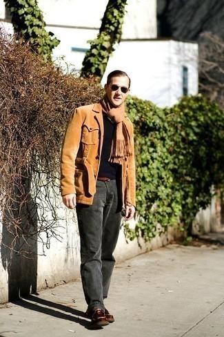 Come indossare e abbinare una cintura in pelle marrone: Prova a combinare una camicia giacca di velluto a coste marrone chiaro con una cintura in pelle marrone per un look perfetto per il weekend. Calza un paio di chukka in pelle marroni per mettere in mostra il tuo gusto per le scarpe di alta moda.