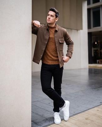 Come indossare e abbinare chino neri: Prova ad abbinare una camicia giacca marrone con chino neri per un abbigliamento elegante ma casual. Perché non aggiungere un paio di sneakers basse di tela bianche per un tocco più rilassato?