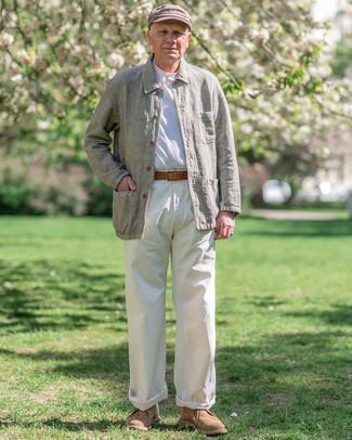 Come indossare e abbinare una coppola: Potresti combinare una camicia giacca di lino verde oliva con una coppola per un look perfetto per il weekend. Indossa un paio di chukka in pelle scamosciata marrone chiaro per dare un tocco classico al completo.