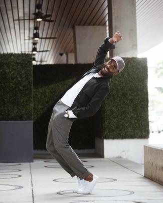 Come indossare e abbinare un orologio in pelle marrone scuro: Prova a combinare una camicia giacca verde scuro con un orologio in pelle marrone scuro per un outfit rilassato ma alla moda. Un paio di sneakers basse di tela bianche darà un tocco di forza e virilità a ogni completo.