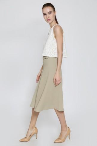 pretty nice 71059 19ede Look alla moda per donna: Canotta di pizzo bianca, Gonna ...