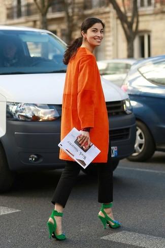 hot sale online 94bdd f6225 Look alla moda per donna: Cappotto arancione, Pantaloni ...