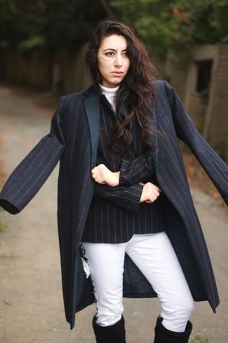 2b416d903223 Look alla moda per donna  Cappotto a righe verticali blu scuro ...