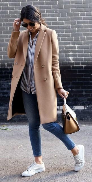 Cappotto marrone chiaro di Opus