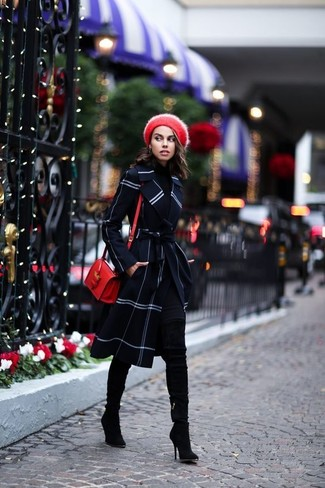 Indossa un cappotto a quadri blu scuro e un berretto rosso per donna di Kangol e sarai un vero sballo. Questo outfit si abbina perfettamente a un paio di stivali sopra il ginocchio in pelle scamosciata neri.