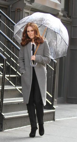 Come indossare stivaletti in pelle scamosciata neri con un cappotto ... 8b844bff6aa