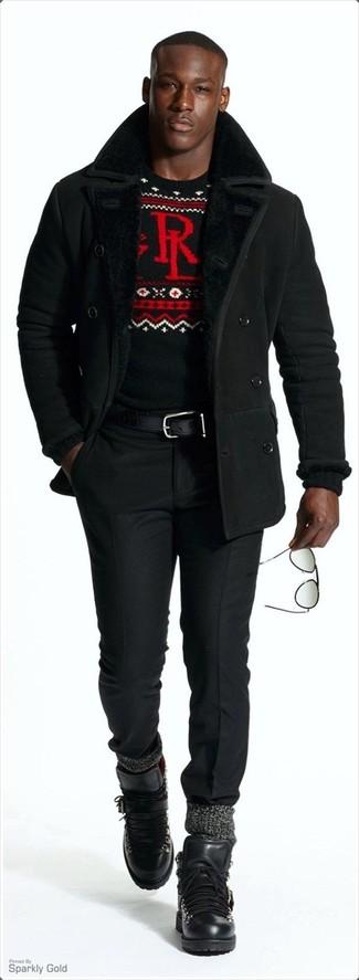 Come indossare e abbinare pantaloni eleganti neri: Potresti indossare un cappotto in shearling nero e pantaloni eleganti neri per una silhouette classica e raffinata Se non vuoi essere troppo formale, calza un paio di stivali da lavoro in pelle neri.