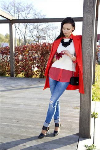 Look alla moda per donna: Cappotto rosso, Maglione girocollo