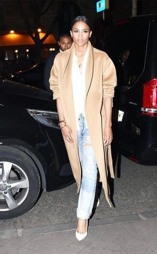 Cappotto marrone chiaro camicia elegante bianca jeans boyfriend azzurri large 9434