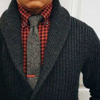 low priced 9a855 b2864 Come indossare e abbinare una camicia elegante rossa (57 ...