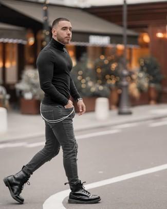 Come indossare e abbinare jeans aderenti strappati grigio scuro: Potresti combinare un dolcevita nero con jeans aderenti strappati grigio scuro per un'atmosfera casual-cool. Impreziosisci il tuo outfit con un paio di stivali casual in pelle neri.