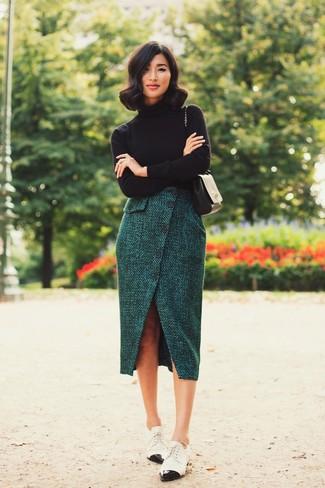 comprare on line 91825 93726 Look alla moda per donna: Dolcevita nero, Gonna longuette di ...