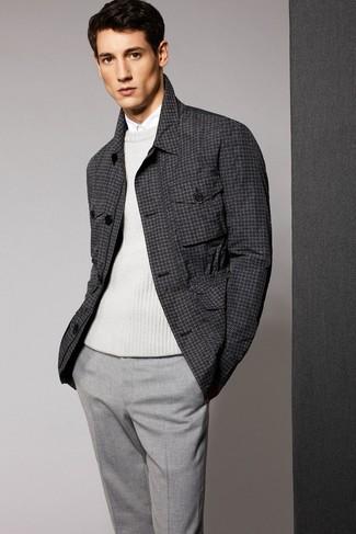 Look alla moda per uomo: Maglione girocollo bianco, Camicia