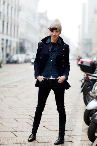 Look alla moda per donna: Giacca da marinaio blu scuro