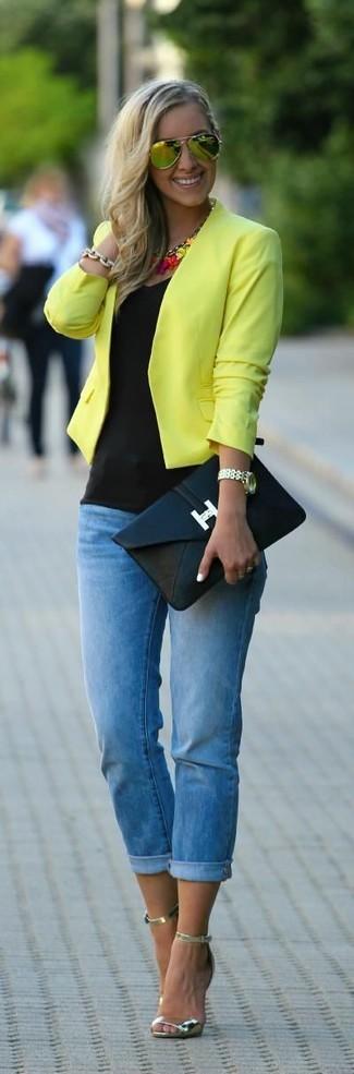 La versatilità di una giacca da moto gialla e occhiali da sole gialli di Miu Miu li rende capi in cui vale la pena investire. Completa il tuo abbigliamento con un paio di sandali con tacco in pelle dorati.