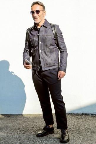 Come indossare e abbinare scarpe derby in pelle nere: Punta su una giacca di jeans blu scuro e chino neri per un look raffinato per il tempo libero. Sfodera il gusto per le calzature di lusso e mettiti un paio di scarpe derby in pelle nere.