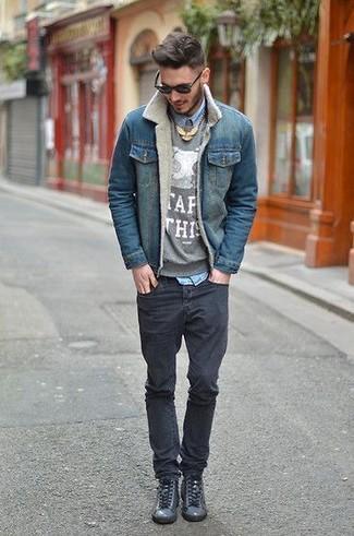 5d95eb1052 Look alla moda per uomo: Giacca di jeans blu, Maglione girocollo ...