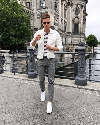 Look alla moda per uomo: Giacca di jeans bianca, T shirt