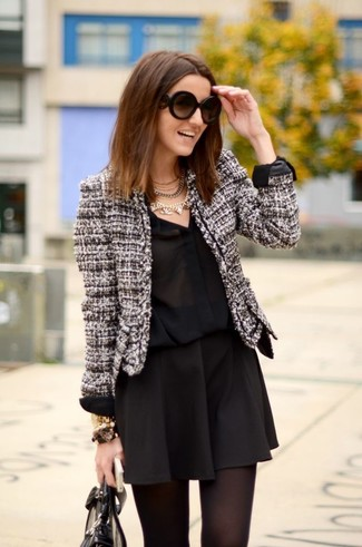 Look alla moda per donna: Giacca di tweed bianca, Camicia