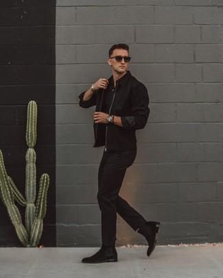 Come indossare e abbinare calzini neri: Per un outfit della massima comodità, prova ad abbinare una giacca harrington nera con calzini neri. Opta per un paio di stivali chelsea in pelle scamosciata neri per un tocco virile.
