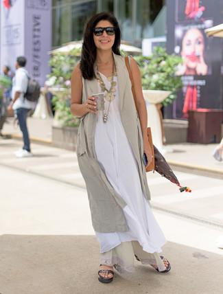 643db08caa8e ... Look alla moda per donna  Gilet beige