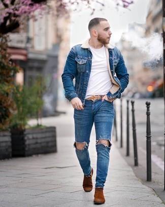 Come indossare e abbinare un giubbotto in shearling di jeans blu: Indossa un giubbotto in shearling di jeans blu con jeans aderenti strappati blu per una sensazione di semplicità e spensieratezza. Scegli uno stile classico per le calzature e opta per un paio di stivali chelsea in pelle scamosciata terracotta.