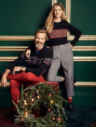 Trend da uomo: Scegli un maglione con zip con motivo fair isle blu scuro e chino rossi per un look spensierato e alla moda.
