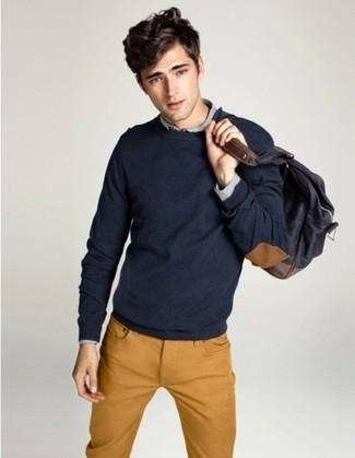 Look alla moda per uomo: Maglione girocollo blu scuro