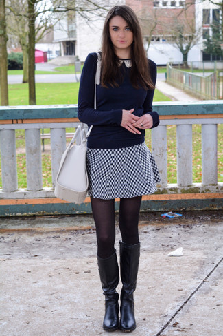 huge selection of 2c57f 98ee5 Look alla moda per donna: Maglione girocollo blu scuro ...