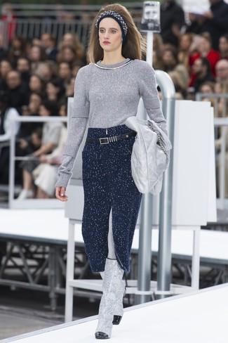 online store b5aa1 910c0 Look alla moda per donna: Maglione girocollo argento, Gonna ...