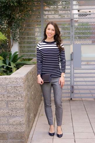 Come indossare  maglione girocollo a righe orizzontali nero e bianco e4cd9974a9e