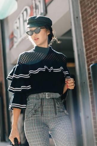 Come indossare un maglione girocollo con volant (6 foto)  dee6df3e3685