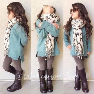 Come indossare: maglione verde menta, leggings marroni, stivali marrone scuro, sciarpa bianca