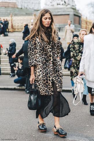 super popolare a0cfa 240a5 Look alla moda per donna: Pelliccia leopardata beige, Gonna ...