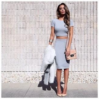 newest e27c0 6dbe3 Look alla moda per donna: Pelliccia bianca, Top corto grigio ...