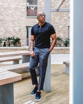 Trend da uomo 2020: Metti un polo blu scuro per un pranzo domenicale con gli amici. Sneakers basse in pelle blu scuro sono una splendida scelta per completare il look.