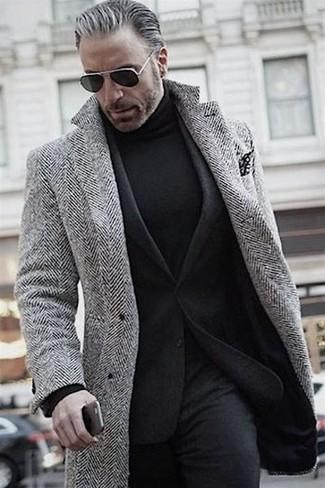 Come indossare e abbinare pantaloni eleganti di lana neri