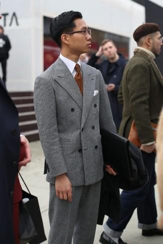 Come indossare e abbinare: soprabito nero, blazer doppiopetto scozzese grigio, camicia elegante bianca, pantaloni eleganti scozzesi grigi