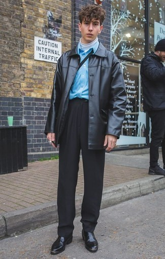 Come indossare e abbinare pantaloni eleganti neri: Indossa un soprabito in pelle nero e pantaloni eleganti neri per un look elegante e alla moda. Per un look più rilassato, scegli un paio di stivali chelsea in pelle neri come calzature.
