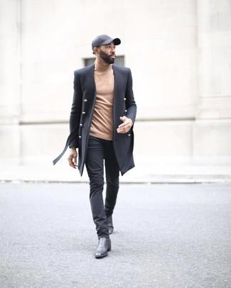Come indossare e abbinare un berretto da baseball grigio scuro: Prova ad abbinare un soprabito nero con un berretto da baseball grigio scuro per un look comfy-casual. Prova con un paio di stivali chelsea in pelle neri per mettere in mostra il tuo gusto per le scarpe di alta moda.