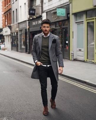 Come indossare e abbinare un soprabito grigio: Opta per un soprabito grigio e jeans neri se cerchi uno stile ordinato e alla moda. Scegli un paio di stivali chelsea in pelle scamosciata marroni come calzature per un tocco virile.