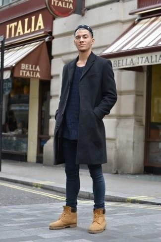 Look alla moda per uomo: Soprabito nero, Maglione girocollo